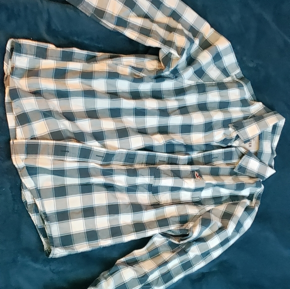 Hollister Other - Blue and White Hollister Shirt